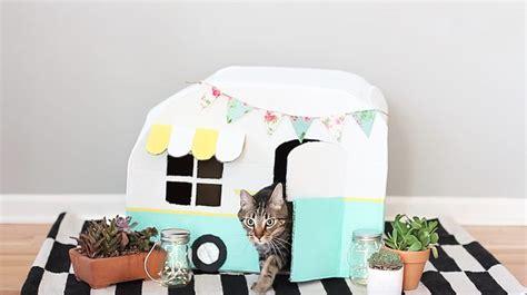 vintage kitty camper   cardboard boxes