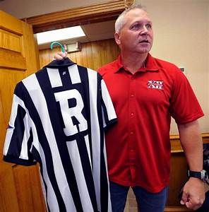 Referee with ripped arms in college title game a Southeast ...