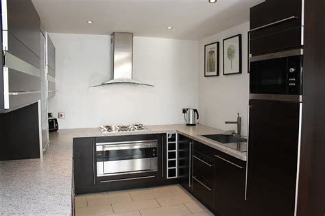 Small Kitchen Design Ideas Uk - small kitchen design from lwk kitchens