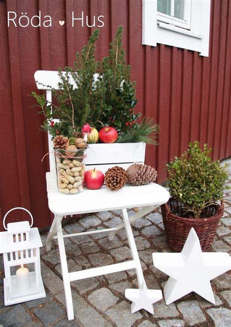 Blumenkübel Weihnachtlich Dekorieren by Pin Barbara Mckoy Auf Balkon Und Hauseingang Ideen