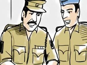 Burn survivor critical, Delhi cops get DCW notice | Delhi ...