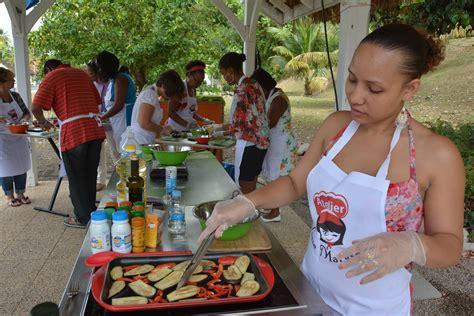 ambiance de l 39 atelier culinaire du 28 février au carbet