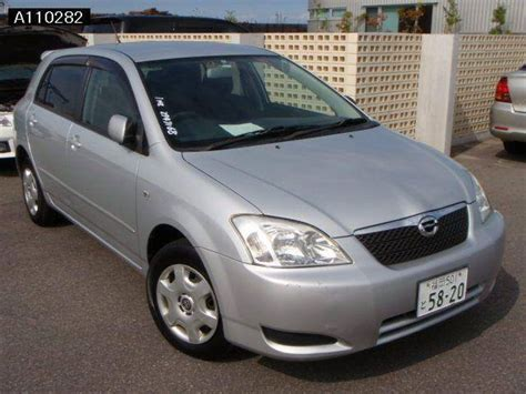 toyota corolla runx pictures