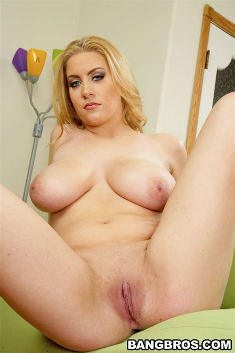 Busty Nude Babes Kali West