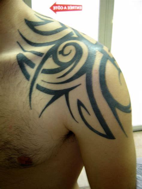 Tatouage Epaule Tribal Homme  Galerie Tatouage