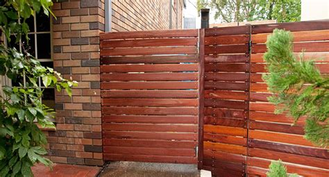 build   simple side gate  homes  gardens