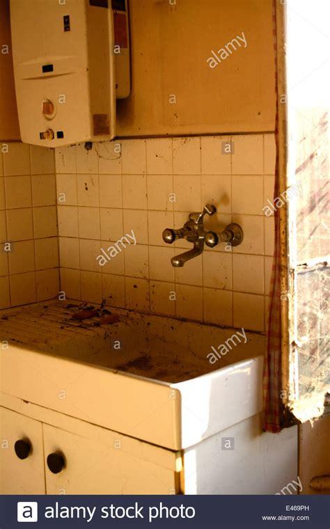 fashioned kitchen sink kitchen sink fashioned stock photos kitchen sink