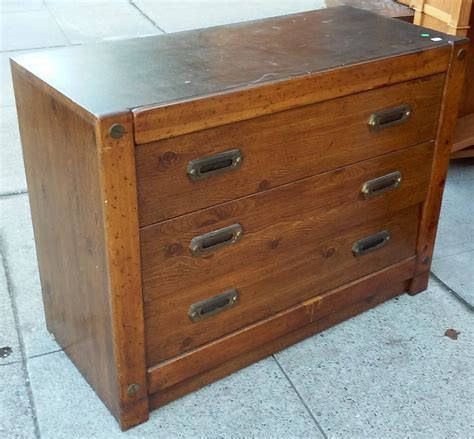35 Inch Wide Dresser by Uhuru Furniture Collectibles Sold 8812 Barker 30 Quot X 40