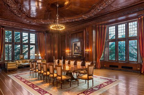 100yearold New Jersey 'castle' With 58 Rooms Hits The