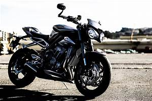 Street Triple 2017 : 2017 triumph street triple prices revealed rescogs ~ Maxctalentgroup.com Avis de Voitures