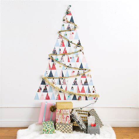 diy a non traditional christmas tree out of holiday cards