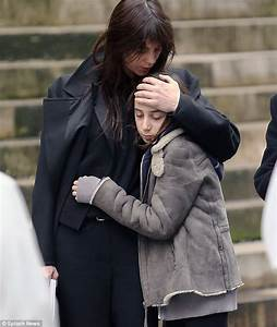 Instagram Charlotte Gainsbourg : funeral of british photographer kate barry takes place in paris daily mail online ~ Medecine-chirurgie-esthetiques.com Avis de Voitures