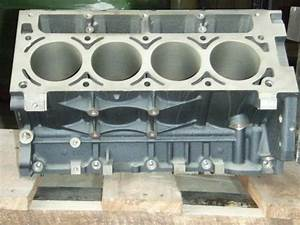 1999 5 3l Engine Block  New
