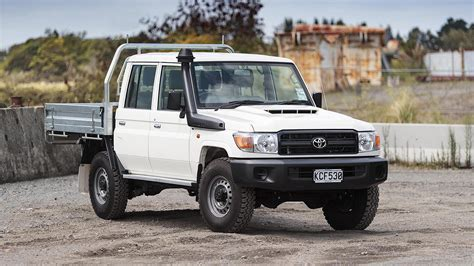 Review Toyota Land Cruiser by Toyota Land Cruiser 70 Review Roadtest
