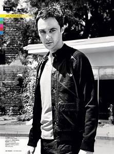 Big Bang Magazine : jim parsons smoking ~ Melissatoandfro.com Idées de Décoration