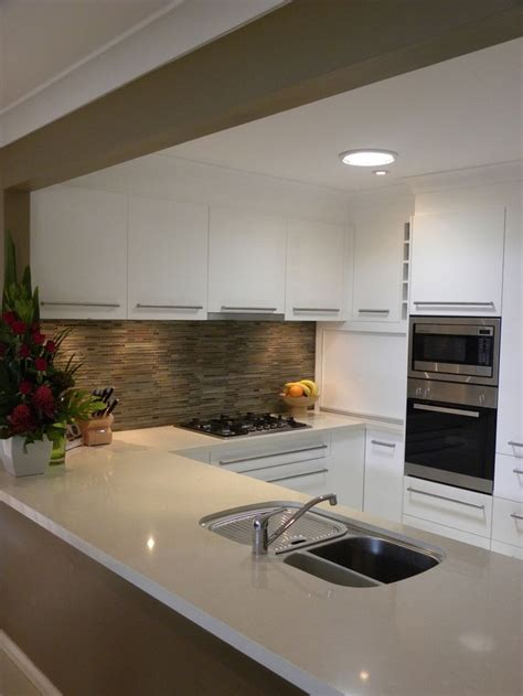 pictures of tiled kitchens 17 best images about caesarstone buttermilk on 4220
