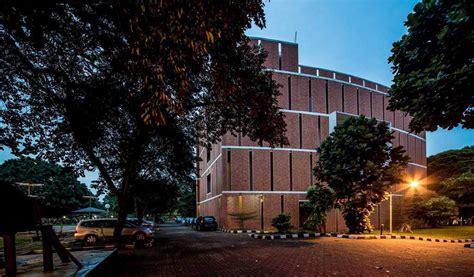 Gedung Quantum Elektro Ui Karya Han Awal & Partners