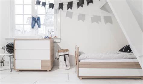 am ager chambre 8m2 lit enfant barrières 2 ans bois blanc 70x140 cm