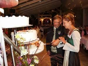 Torten Preise Berechnen : taufe erstkommunion firmung hochzeit hotel ~ Themetempest.com Abrechnung