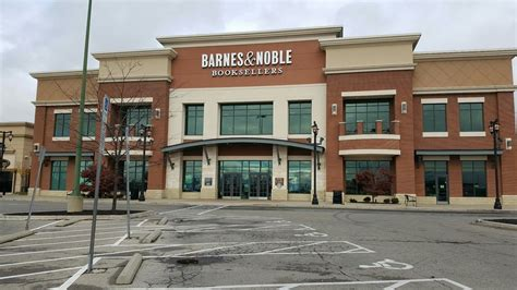 Storefront For Barnes And Noble Polaris
