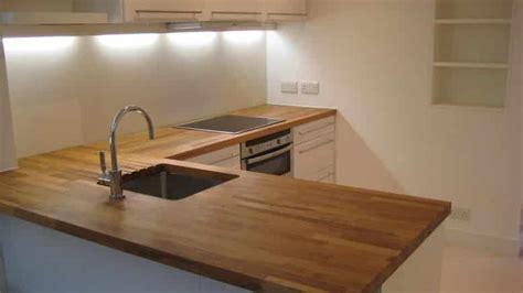 traiter un plan de travail de cuisine en bois brute bricolage facile