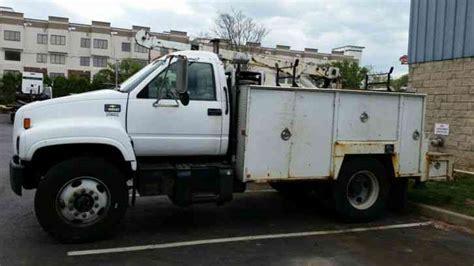 Chevrolet (2002)  Utility  Service Trucks