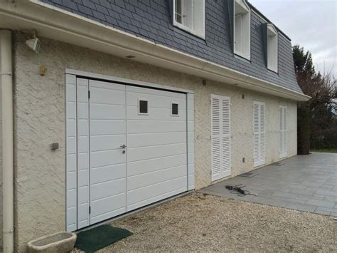 porte de garage basculante isolante motoris 233 e moos avec portillon 224 seyssins en is 232 re