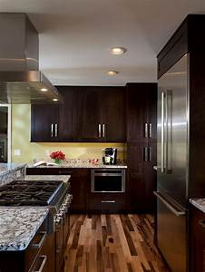 Best 25 brown walls kitchen ideas on pinterest brown for What kind of paint to use on kitchen cabinets for candle holders for bathrooms