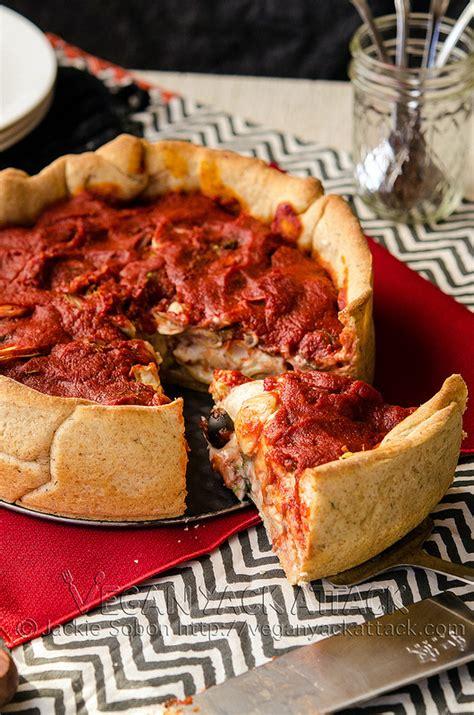 Mac and Cheese Deep Dish Pizza