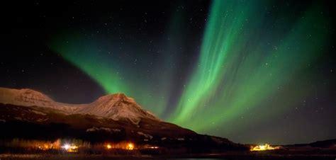 northern lights iceland 2018 iceland northern lights holidays 2018