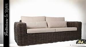 Canapé En Rotin : canap en rotin brun avec coussins coton cru 2 10 m tres int rieurs styles ~ Teatrodelosmanantiales.com Idées de Décoration