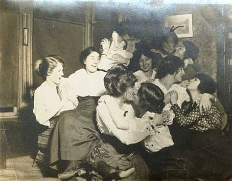 Funny Vintage Snapshots Show Naughty Girls Playing Together In The Past Vintage Everyday