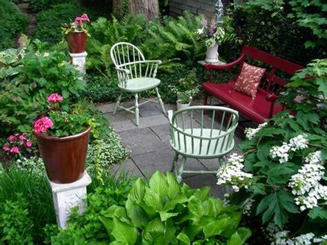 how to make a small garden look bigger 12 optimization