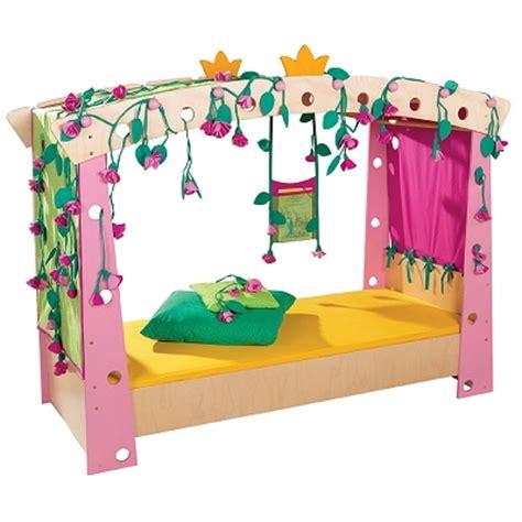 lit enfant princesse belle au bois dormant haba secret