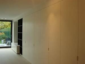 Tv Wand Modern : inrichting leefruimte tv wand eik fineer donker gekleurd ~ Michelbontemps.com Haus und Dekorationen