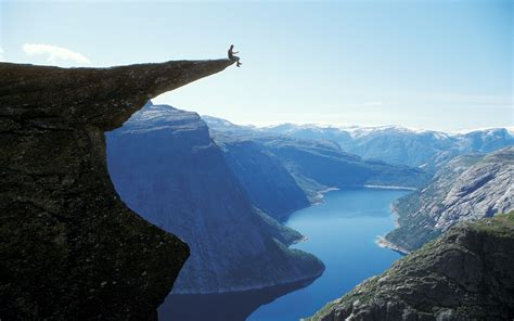 Trolltunga Norway 1920x1200 Wallpaper