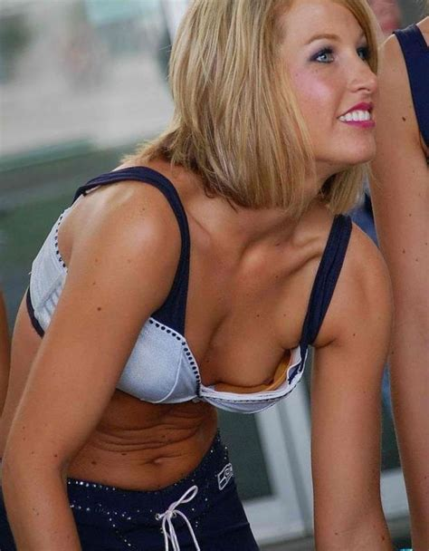 Accidental Nude Cheerleader Xxx Pics Fun Hot Pic