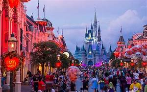 3 Amazing Disney Vacation Deals to Take Advantage of Right ...  Disney