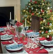 Christmas Tree Decorating Ideas 10 Beautiful Ideas Table Settings Ideas Tigerlily 39 S Book Christmas Decorations Ideas Besides UK Front Door Canopy Designs Como Decorar A Mesa Para O Natal