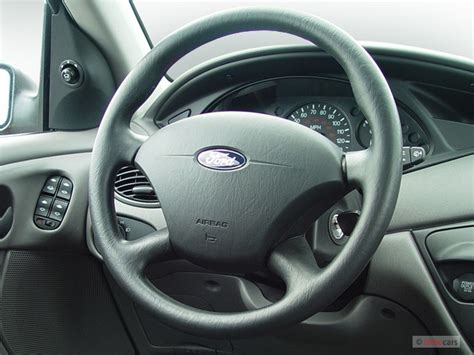 image  ford focus  door wagon se steering wheel