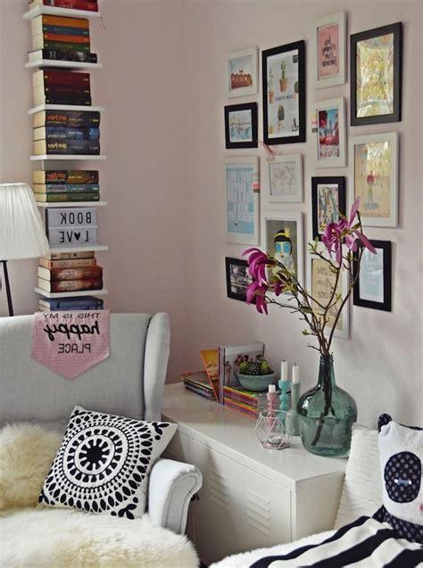 tag chambre ado idee deco chambre fille tagre verticale en bois peint en