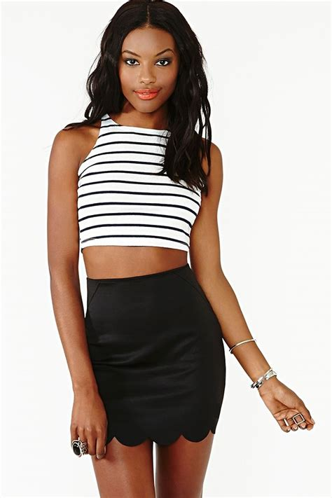 Cropped Scalloped Tank Top Black M black and white striped cropped tank and scalloped hem