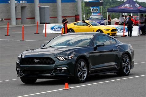 ford mustang ecoboost   test