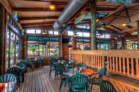 photo galleries grills seafood deck tiki bar