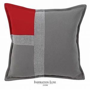 Coussin Gris Clair : coussin de luxe tricolore rouge gris souris et gris clair 45 x 45 cm ~ Teatrodelosmanantiales.com Idées de Décoration