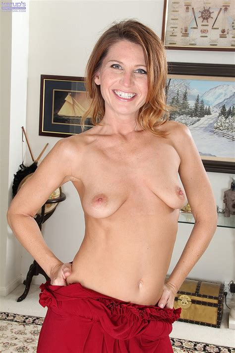 Charming Milf Sky Rodgers Display Her Hooters Milf Fox