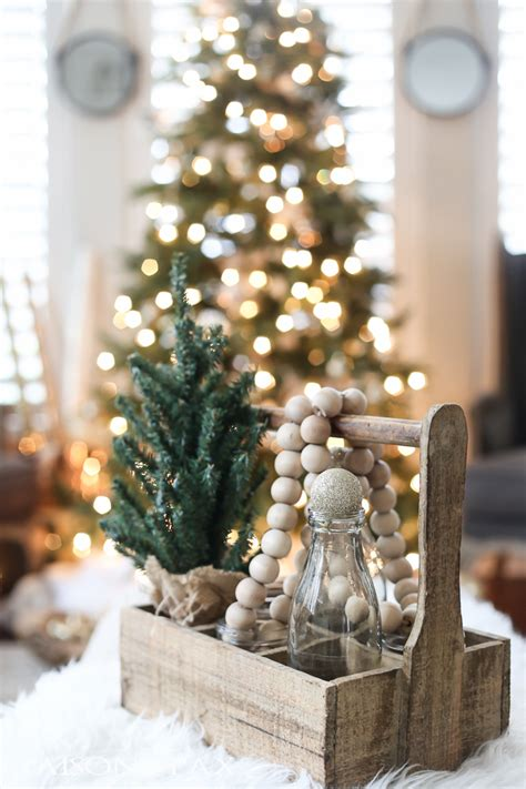 green christmas decorating ideas green and white christmas decorating ideas maison de pax