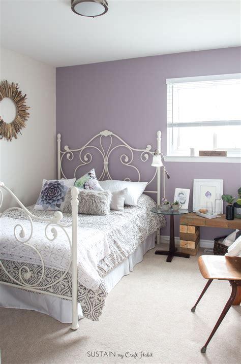 mauve lous guest bedroom ideas  simple spare room
