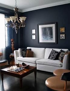 Wohnzimmer Wandgestaltung Farbe : die wundersch ne und effektvolle wandfarbe petrol ~ Markanthonyermac.com Haus und Dekorationen