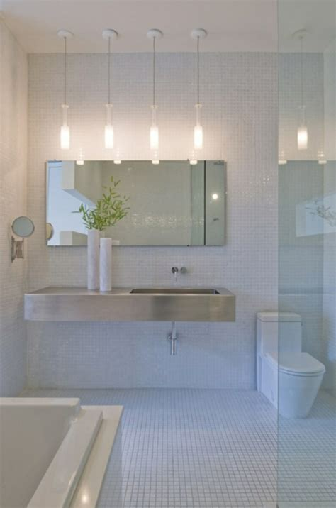 Schöne Badgestaltung  Luxus Interieur Mit Vier Lampen Und